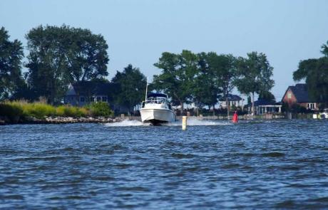 Harbour HOA Sandusky Ohio Speedboat