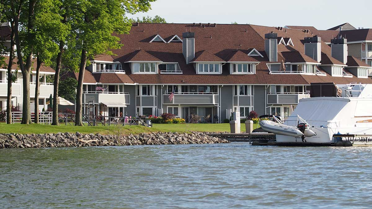 Harbour HOA Sandusky Ohio Condominiums